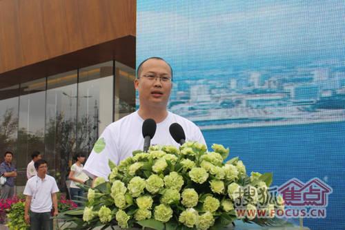 以及青岛万科房地产有限公司总经理杨海,万科生态城项目总经理谭江洋