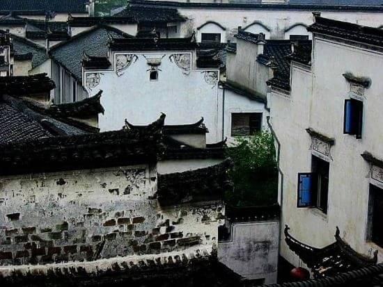 西递宏村古民居位于中国东部安徽省黟县境内的山风景区.