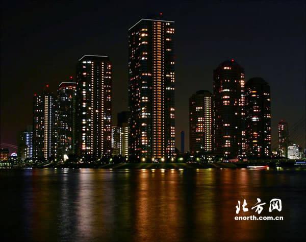 海河夜景灯光连成线 两岸特色建筑打造新形象