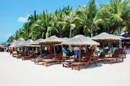 三亚大东海旅游度假区:蜚声国内外的冬泳胜地