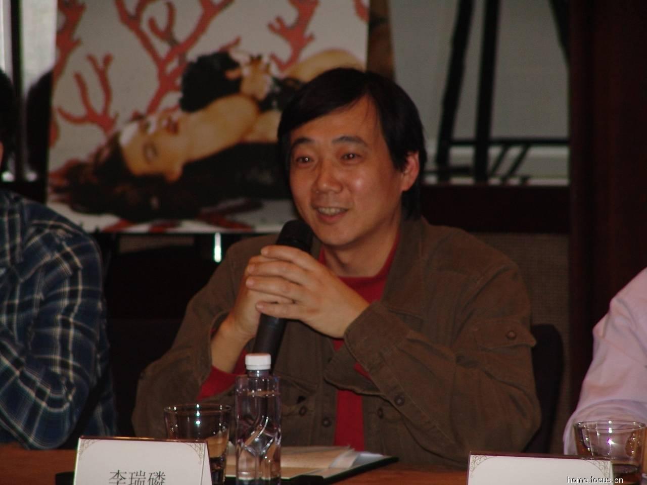 梁辉    深圳市雨丝艺术设计制作有限公司艺术总监