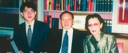 阎晶晶父亲阎维文,我国歌唱家,中国音协理事,总政歌舞团国家一级演员