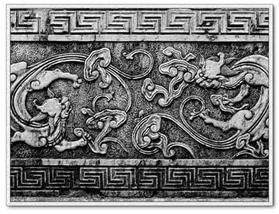 徽派古民居规模宏伟,结构合理,布局协调,风格清新典雅,尤其是装饰在门