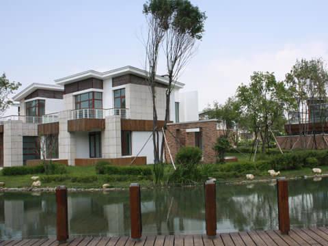 园林景观设计方面概念性的融入整体原生态自然式坡地设计风格.